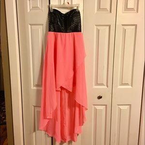 Misses Black & Mango Strapless Dress